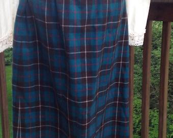 Blue plaid Pendleton skirt. Teal and brown straight skirt. Size 14 petite wool skirt.