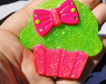 Neon Green and Pink glitter cupcake resin pendant, sweets necklace, Cupcake with bow, Kawaii resin, trendy, raver, neon, statement pendant