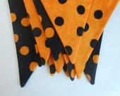 Orange and Black Dot Halloween Banner / 12 Flag Party Banner /  Halloween Bunting Photo Prop/ Orange and Black Polka Dots
