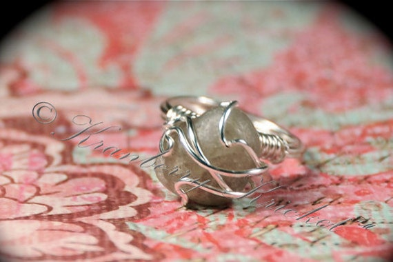 Beach Jewelry, Penguin Pebble, River Rock Ring, Promise Ring, Friendship Ring - Gray Quartz Beach Stone in Silver Ring, Sale Size 6