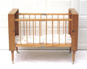 "Portable Baby Crib Vintage Bed Folding Collapsible Wood Case Lark (as-is, see ""Item Details"")"