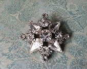 Vintage Rhinestone Pin Brooch for gifts, Valentine's Day, Wedding or Special Occassion unsigned