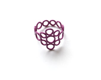circle ring powder coat in violet, made with multiple jump rings, purple ring, size 8.5 ON SALE, 50% OFF