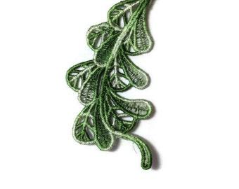 1 Lace Feather, Lace Bookmark, Lace Ornament, Lace Favor