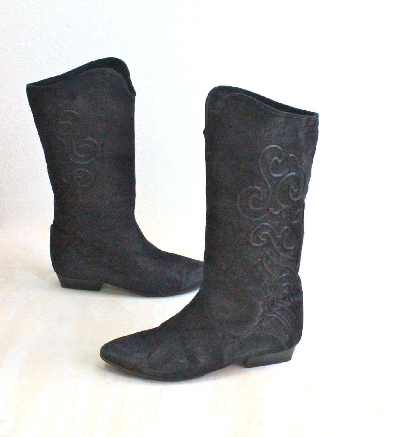 vintage italian embroidered black suede boots by