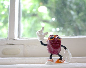 80s California Raisin Figurine - Vintage Sunglasses Heard It Through the Grapevine