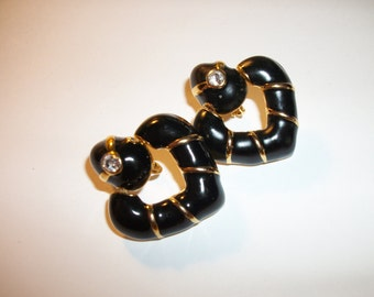 vintage AVON Black Enamel clip earrings