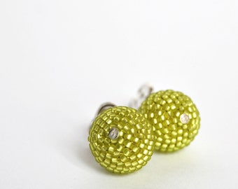Sale / Chartreuse earrings - Chartreuse post earrings - Beaded beads earrings - seed beads earrings - silver earrings