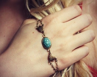 turquoise palm bracelet, turquoise jewelry, turquoise accessory, unique bracelet, vintage style bracelet