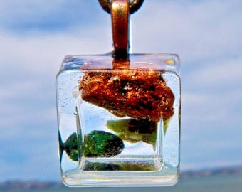 ZEN Pendant with KEWEENAW COPPER and Emerald. Frequency-Charged WiFi Protection Orgone Orgonite.