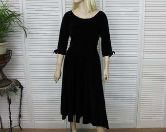 Vintage 1950s Black Velvet Dress Size Small / X Small