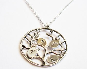 Family Tree Necklace, Personalized necklace, initial necklace, Grand ma, Mom necklace, Tree pendant, mother's day gift, personalized jewelry