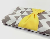 MacBook Pro 13 case, MacBook Pro sleeve, MacBook Pro 13 sleeve, MacBook Pro Retina case - Grey white chevron with yellow bow