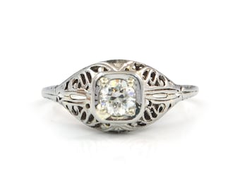 Antique 1920s 18k White Gold and Diamond Filigree Engagement Ring
