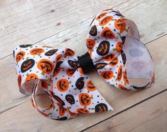 Pumpkin bow - Halloween bow, orange bow, fall bow, pumpkin hair bow