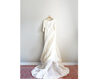 Vintage Petite Size 0 Ivory Lace 1960's Wedding Dress