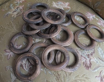 Lovely batch of 18 antique wooden curtain ring carved wood, home decor window dressing veil rideaux and curtain, shabby rustic chic