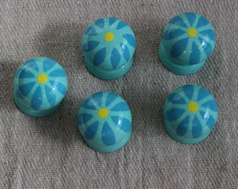 turquoise drawer handle pulls, knobs, cabinet knob, drawer knob, blue  knob, hand painted turquoise knob, simple flower design cabinet knobs