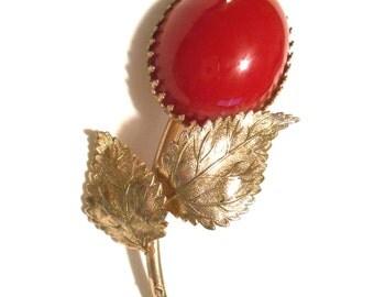 Vintage Red Flower Brooch Bakelite 1940 1950