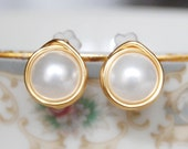 Pearl Post Earrings , Gold Filled Pearl Earrings , June Birthstone Earrings , Shell Pearl Earrings , White Pearl Studs