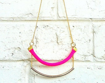 Summer Pink and Gold Metal Necklace