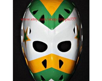 Hockey mask, Hockey goalie, NHL ice hockey, Roller Hockey, Hockey goalie mask, Hockey helmet Gilles Meloche mask HO47