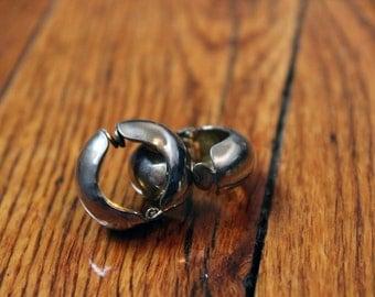 Vintage Gold Metal Clip On Earrings
