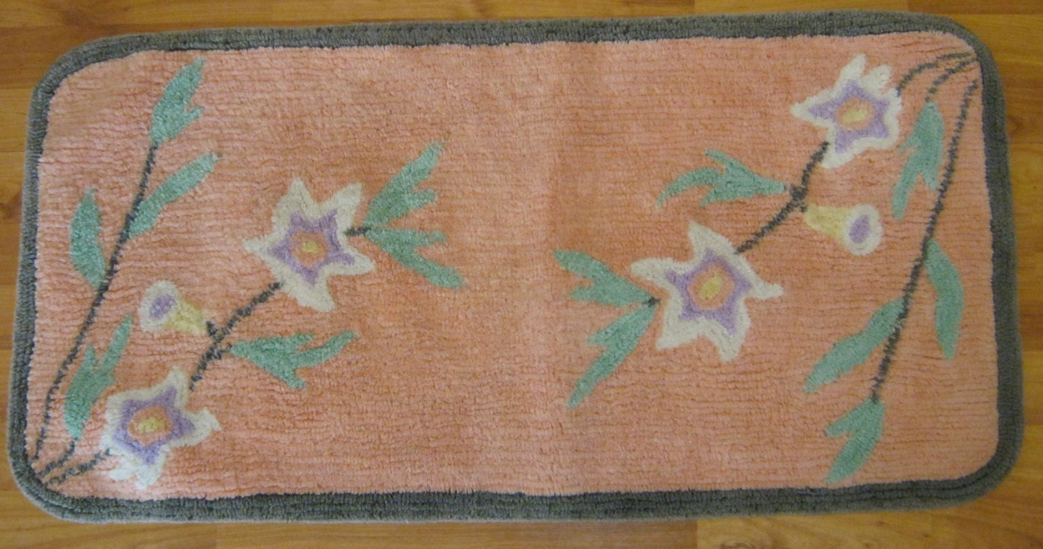 Vintage Chenille Bathroom Rug Bath Mat Peach Green White