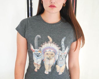 Cat tshirt etsy for Lucky cat shirt urban outfitters