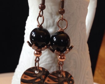 Embossed - Copper - Black glass bead - Earrings