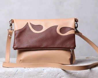 Leather crossbody bag. Foldover cross body bag. Beige / brown leather crossbody purse.