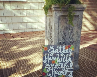 Grateful Hearts Wood Pallet Sign