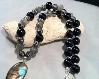 "20"" Onyx and Labradorite Necklace/ Unisex Necklace/ Flashy Labradorite Necklace"
