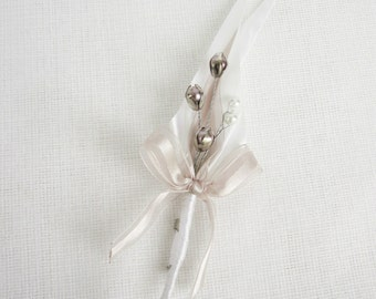 Pearl wedding boutonnieres - Set of 5
