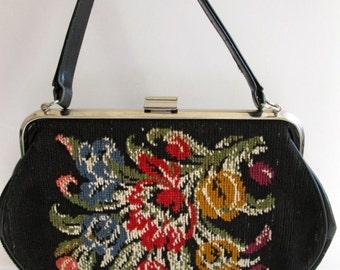 vintage needlepoint purse / tulip design / la Marquise
