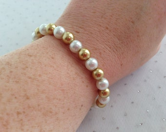 Gold Pearl Bracelet, Gold Wedding Jewelry, Bridesmaid Jewelry Gift, Gold Pearl Jewelry, Gold Beaded Jewelry, Mother of the Bride Jewelry