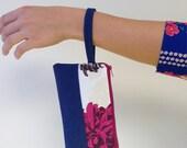 Color-blocked wristlets