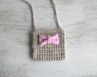 Little purse for girls crochet neutral beige with a pink bow