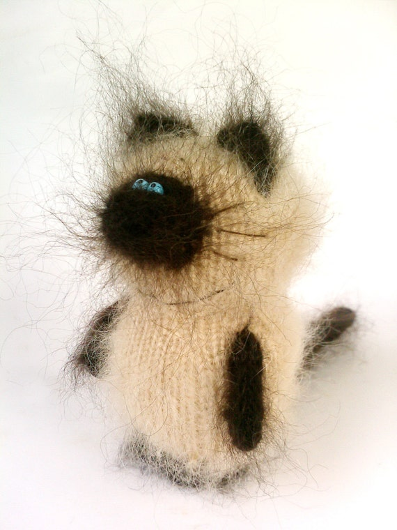 Thai Cat Siamese Kitten Hand-knitted Amigurumi by MiracleStore