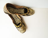 Woman Gold Embroidery Flats, Size 5.5  Ethnic