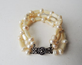 Bracelet Fresh Water Pearls Mother of Pearl Flower Silver Clasp