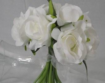 No. 1025 White Rose Bouquet