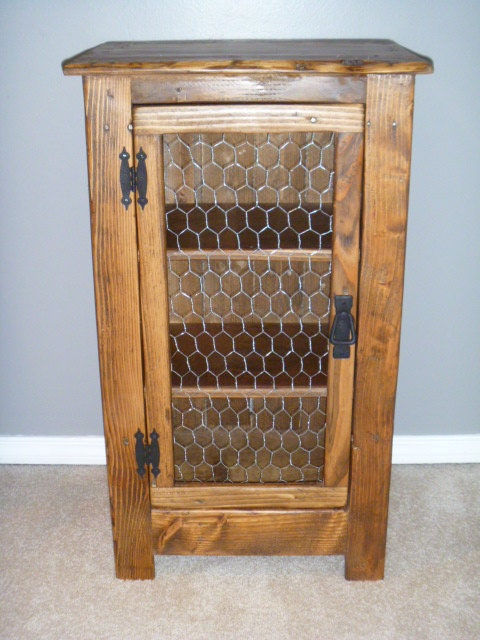 Rustic Pallet Cabinet With Chicken Wire Door Rustic