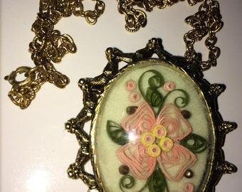 Vintage 70s Retro Shadowbox Flower Paper Cuts Necklace Brooch Pendant