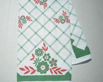 Vintage Towel Daisies on Green Lattice Fence