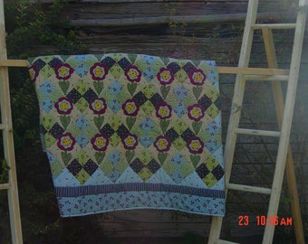 Reduced for Christmas !!!Grandma's Garden Quilt (Queen Size)