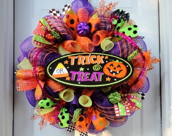 LIMITED AVAILABILITY!!!  Trick OR Treat! - Halloween Deco Mesh Wreath - Fall Mesh Wreath - Owl Wreath - Door Hanging
