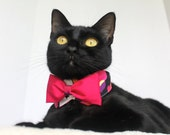 Wedding Cat Collar with Hearts and Hot Pink Bowtie