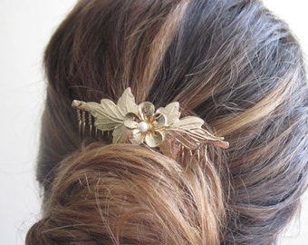 Gold Floral Hair Comb With Pearl - Gold Flower Hair Comb - Gold Bridal Hair Comb - Wedding Hair Accessory -Wedding HairPiece