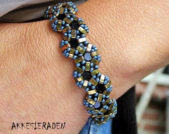 English pattern for the Shiny Mosaic bracelet